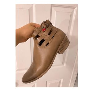 American Eagle Tan Booties